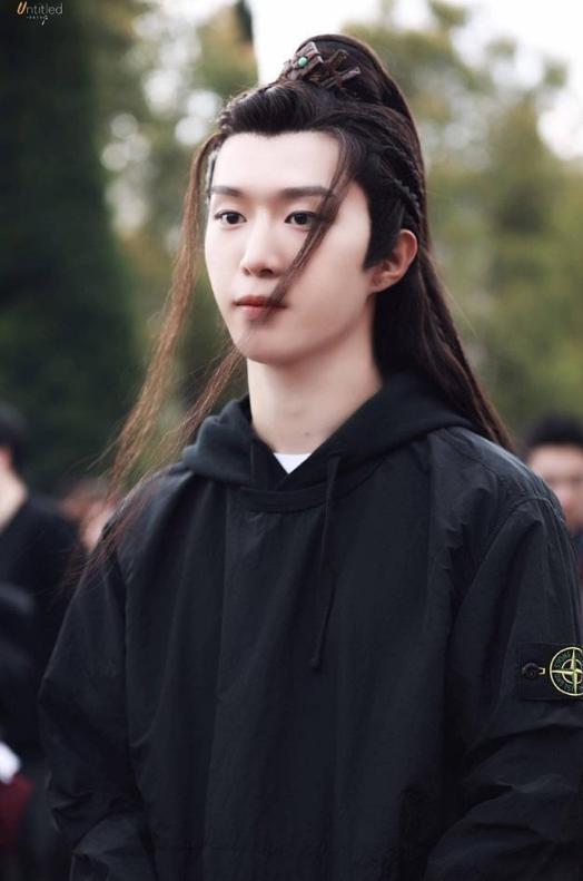 《灵域》公布范丞丞程潇定妆照